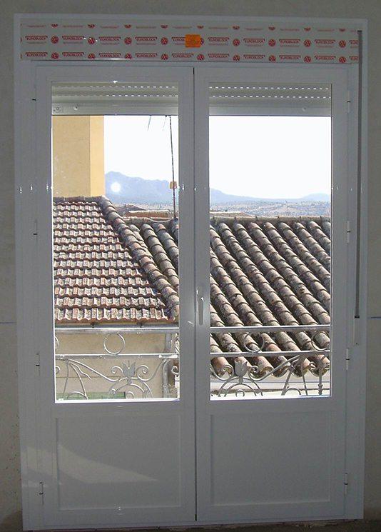 Aluminios Técnicos Cebreros puerta practicable 02