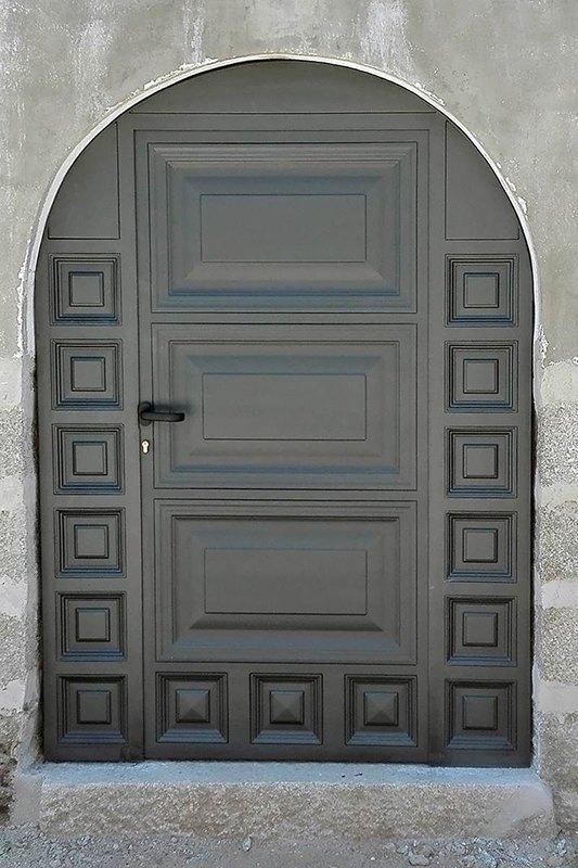 Aluminios Técnicos Cebreros puerta arco cuarterón